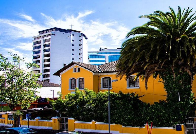 Yellow House, Quito