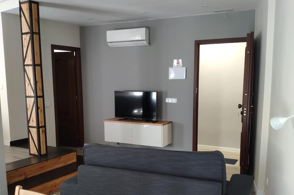Studio (Tornerías) - Living Room