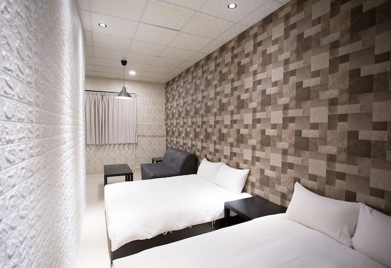 Mis Hostel, Taichung, Elite Quadruple Room, Guest Room