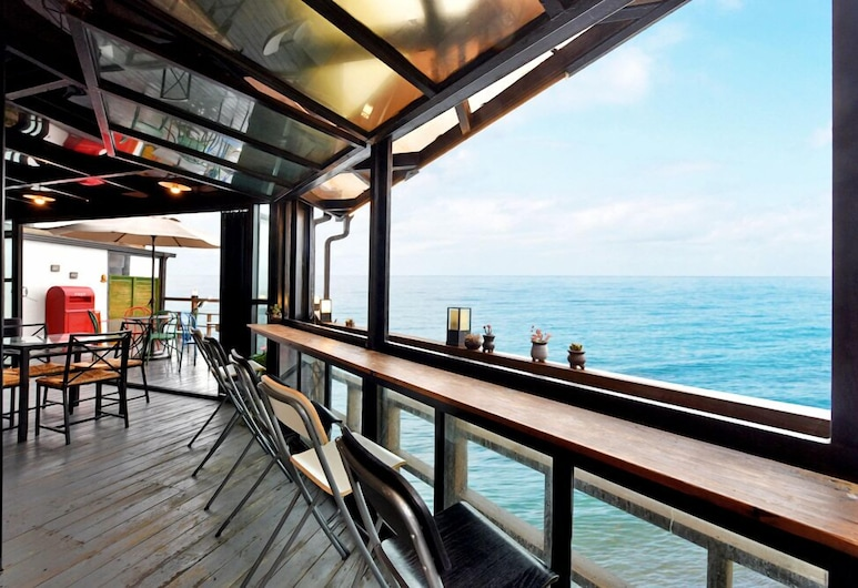 Freeantz, Yeongdeok, Balkon