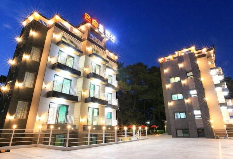 Gampo Eun Sol, Gyeongju, Exterior