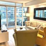 Departamento de lujo, 2 habitaciones, 2 baños, vista a la ciudad - Sala de estar