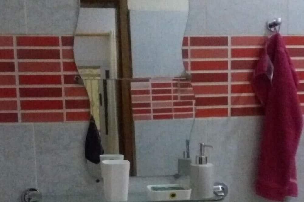家庭開放式套房 - 浴室設施