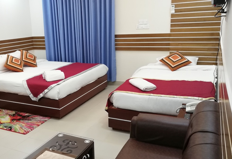 Richmart Resthouse, Barisal, Deluxe Triple Room, Guest Room