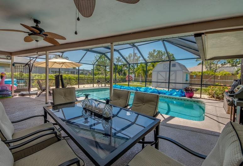Villa Oaks Oasis - Roelens Vacations, Cape Coral, Pool