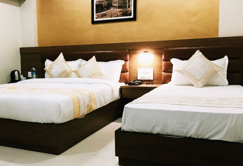 Hotel Crystal Luxury INN, Mumbai, Deluxe Triple Room, Guest Room