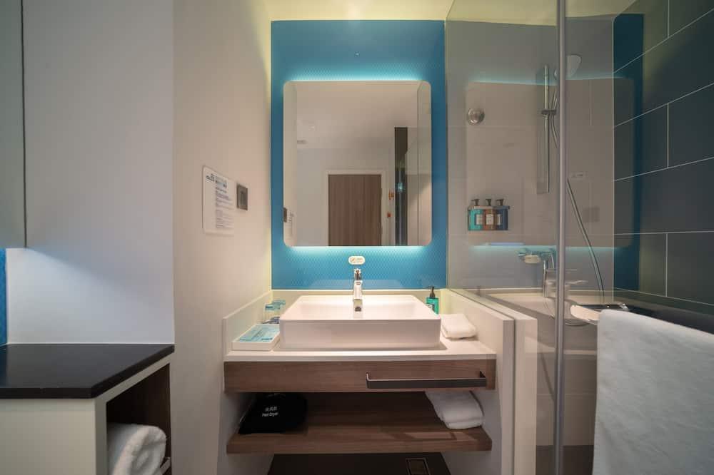 Room (Specialty) - Bathroom