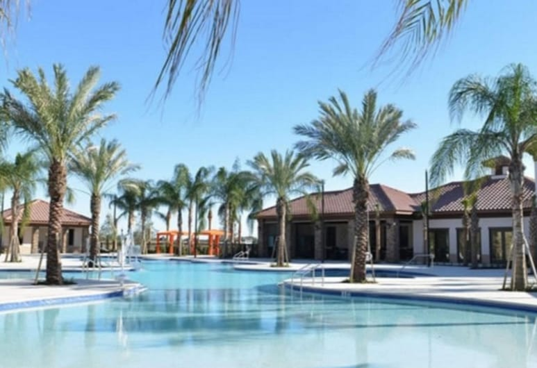 Fabulous Home With Pool at Solterra Resort St5501, Davenport, Dom, 5 sypialni, Basen