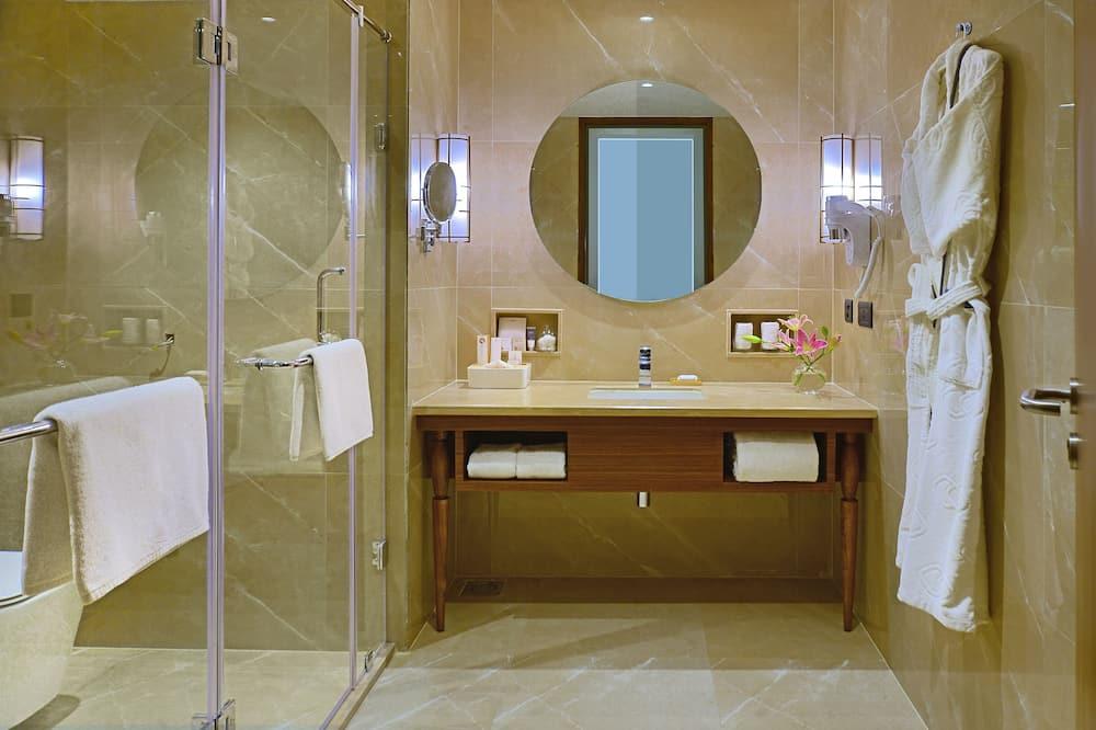 Premium Room With Balcony - Bathroom