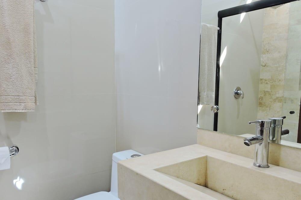 Deluxe-huoneisto, Osittainen merinäköala - Kylpyhuone