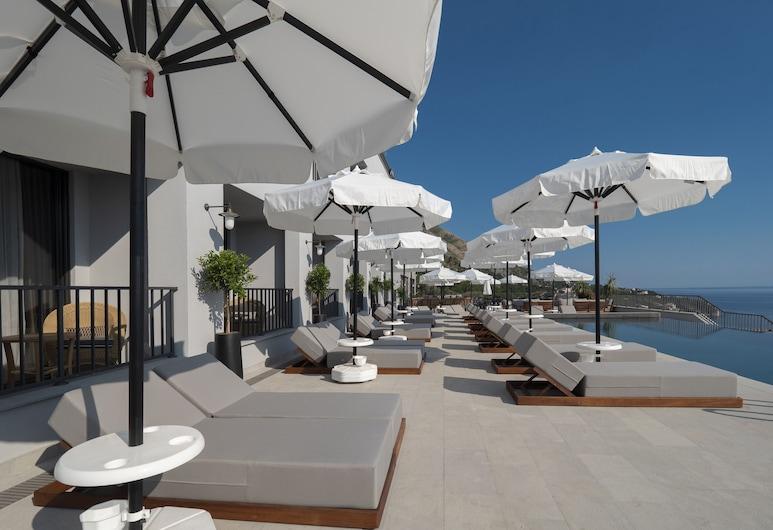 Vivid Blue Serenity Resort, Petrovac, Piscina infinita