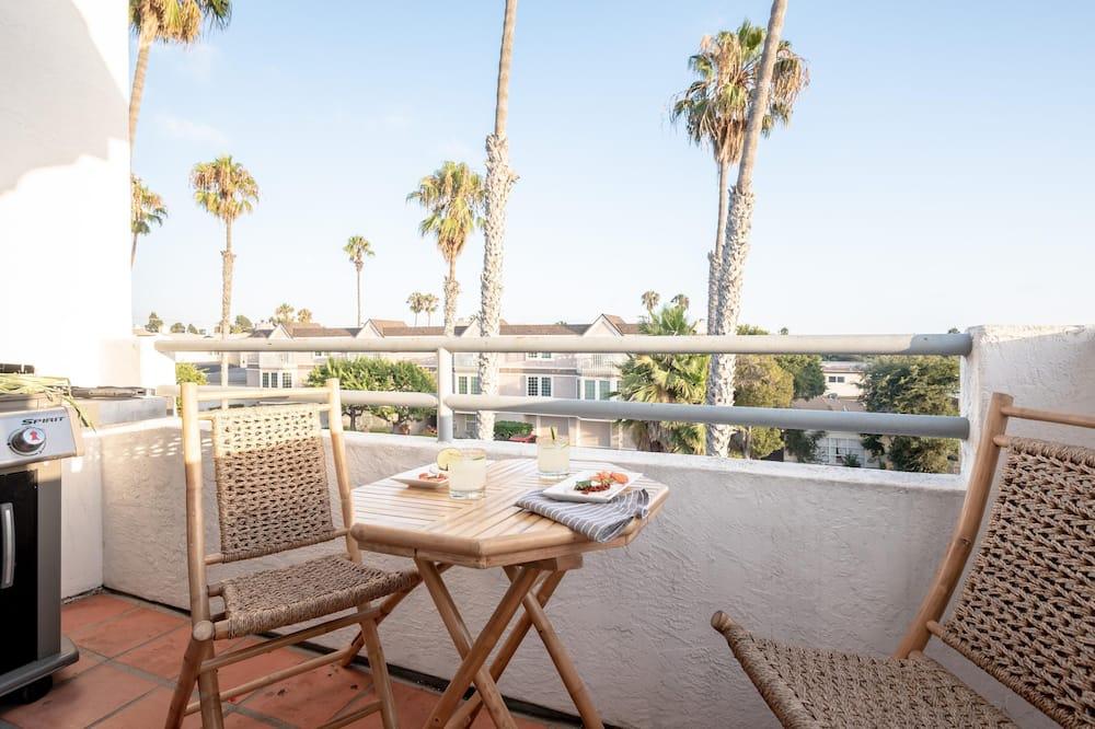 Apartment, Multiple Beds (Sonrisa 2 Unit Buyout (I & II) - Slee) - Balcony
