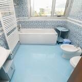 Presidential Apartment, City View - Bathroom
