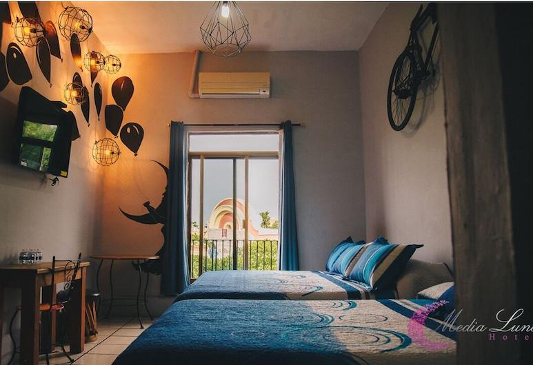 Hotel Media Luna., Tlaquepaque