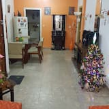 Basic Apartment, 2 Bedrooms, Private Bathroom, Sea View - Living Area