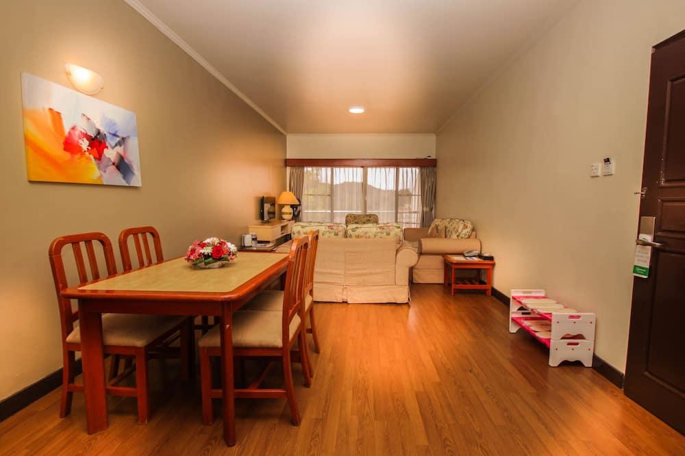 Lejlighed - 3 soveværelser - Spisning på værelset