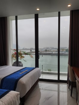 Picture of Ha Long Land Hotel in Halong City