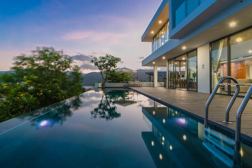 Luxury-Villa, 5Schlafzimmer, Meerblick, Meerseite - Außenpool
