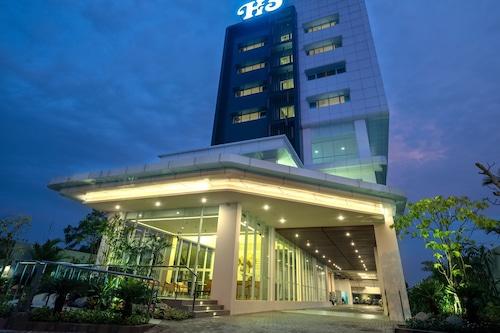 โรงแรมซานติกา