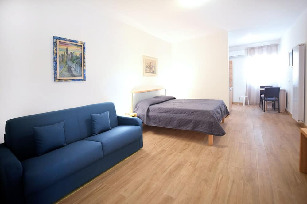 Deluxe Room, 1 Bedroom (2) - Guest Room