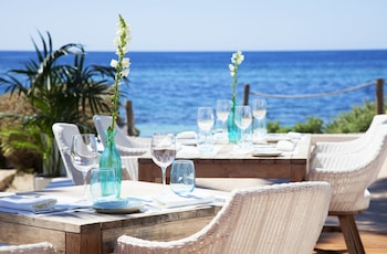 Enter your dates for our Formentera last minute prices