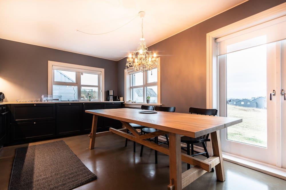 Comfort House, 3 Bedrooms - Guest Room