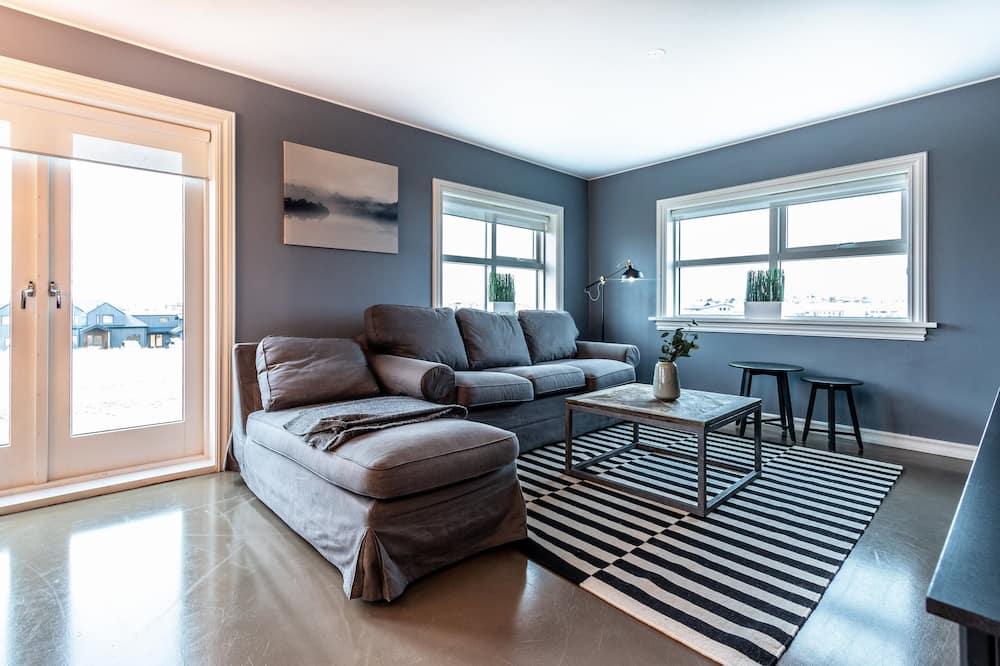 Comfort House, 3 Bedrooms - Living Area
