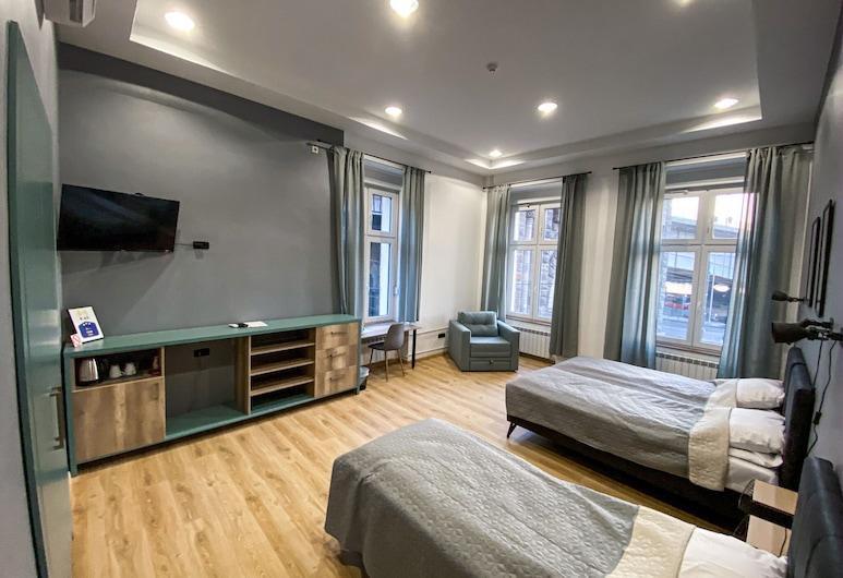 K43 Rooms and Apartments, Βελιγράδι, Τετράκλινο Δωμάτιο, Κοινόχρηστο Μπάνιο, Δωμάτιο επισκεπτών