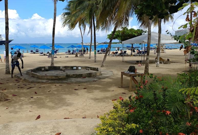Sand Castles Holiday #C9, 奥求里歐斯, 海灘