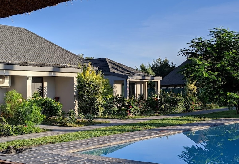 Chobe Poolside Suites, Kasane