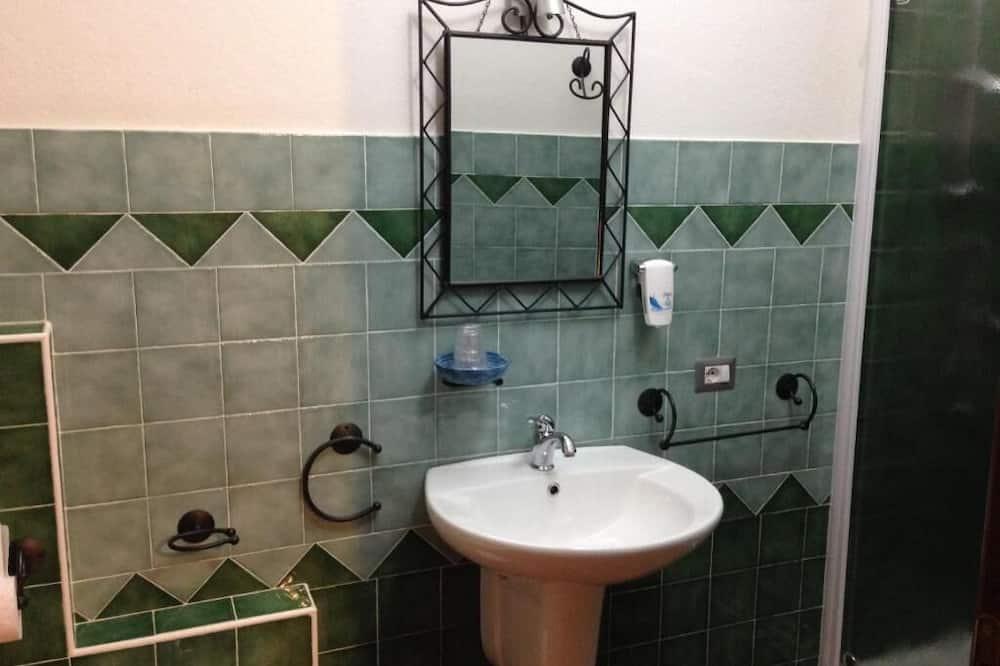 ห้องคอมฟอร์ทดับเบิลหรือทวิน - อ่างล้างมือ