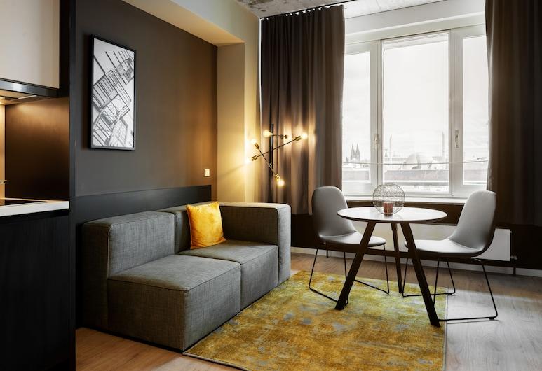 JOYN Cologne, كولون, Smart Plus Apartment, منطقة المعيشة