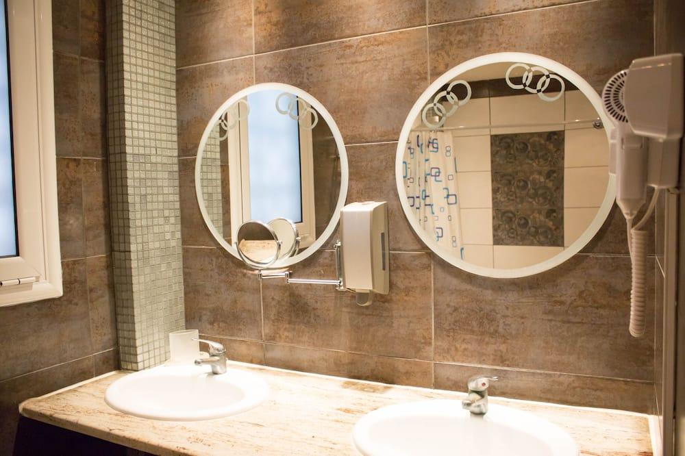 Luxus lakosztály, 2 hálószobával, nemdohányzó, sarok - Fürdőszoba