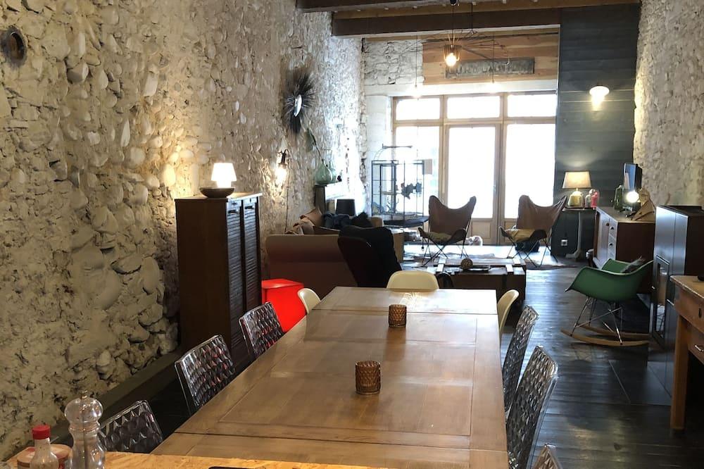 Camera (Black Japan) - Area soggiorno