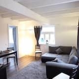 Suite, 2 Bedrooms, Resort View - Living Area
