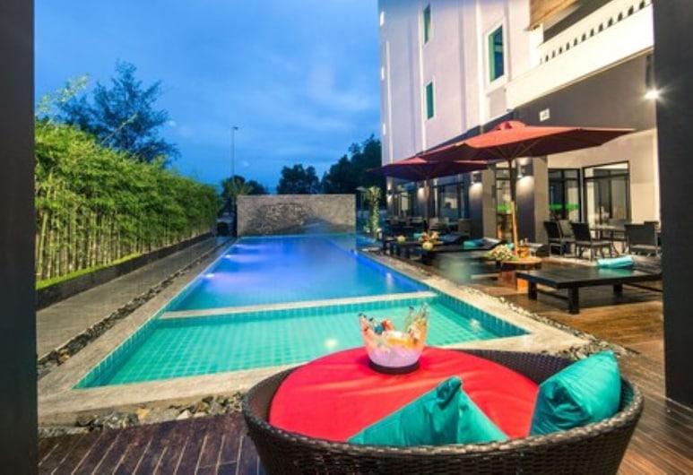เดอะ ปาล์ม เบย์ รีสอร์ท, Sihanoukville, สระว่ายน้ำ