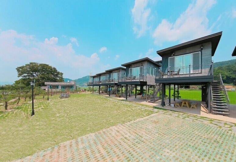 JNJ Village, Suncheon