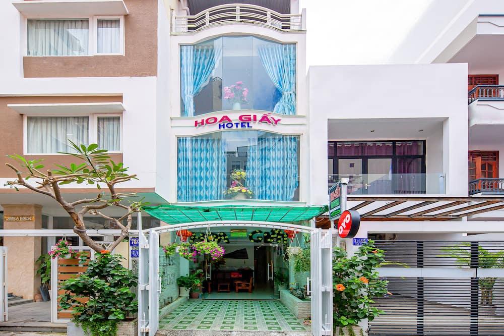 OYO 828 Hoa Giay Hotel, Nha Trang (and vicinity)