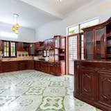 Premier Villa - Shared kitchen