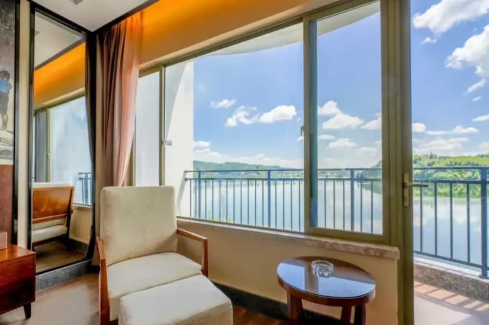 غرفة ديلوكس مزدوجة - منظر للبحيرة - منظر للبحيرة