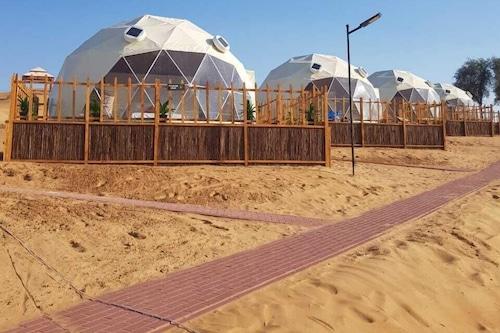 沙丘露營和拉克野生動物園飯店/
