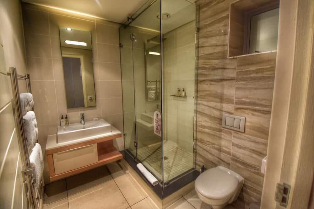 Comfort-studiolejlighed - Bruser på badeværelset