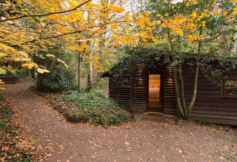 The Log Cabin, Gloucester