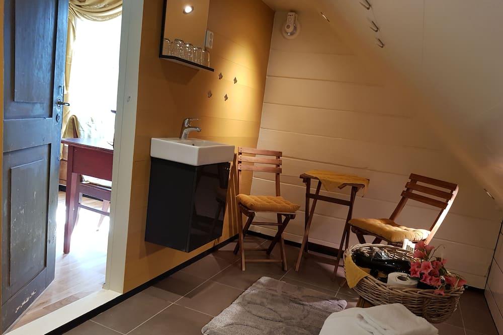 Sviitti, 2 makuuhuonetta - Kylpyhuone