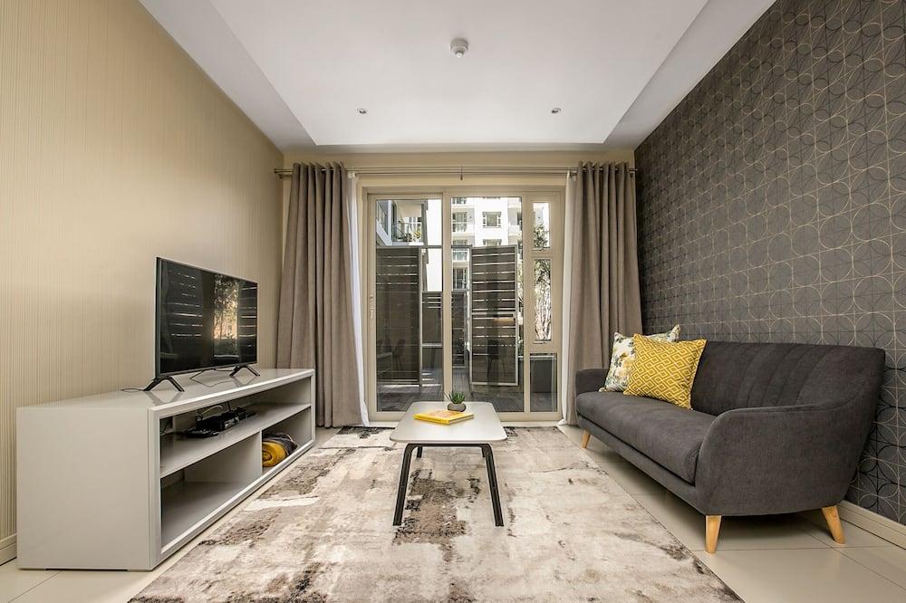 شقة واسعة - غرفة نوم واحدة - غرفة معيشة