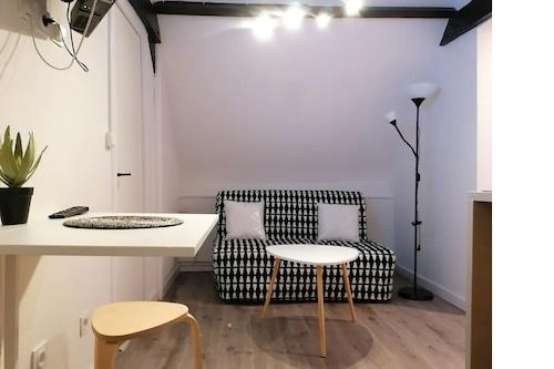 -Apartment