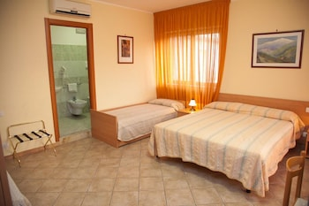 Picture of Caffè Nuovo 2 Holiday Rooms in Taormina