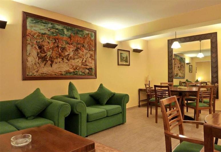 Hotel Bellpi, Andorra la Vella, Sala de estar en el lobby
