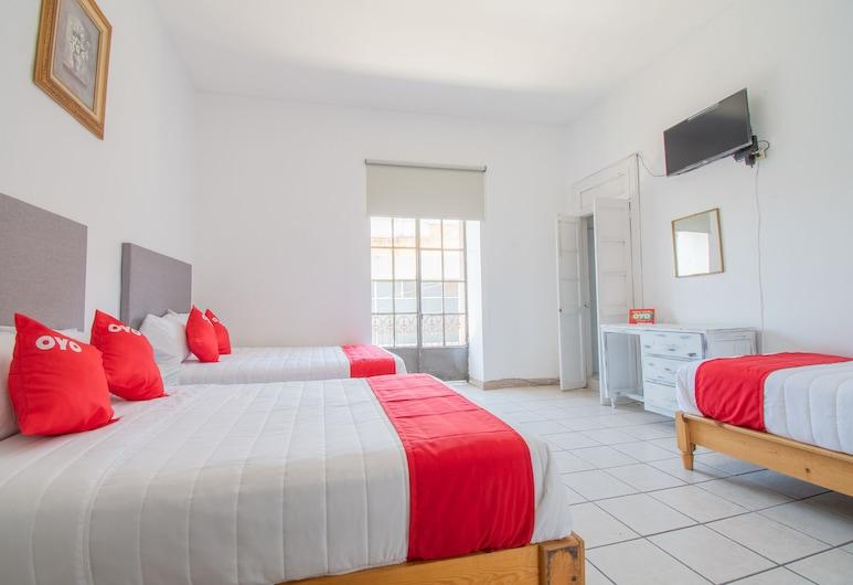 OYO Hotel Imperial, Aguascalientes, Standard Quintuple Room, Pokój