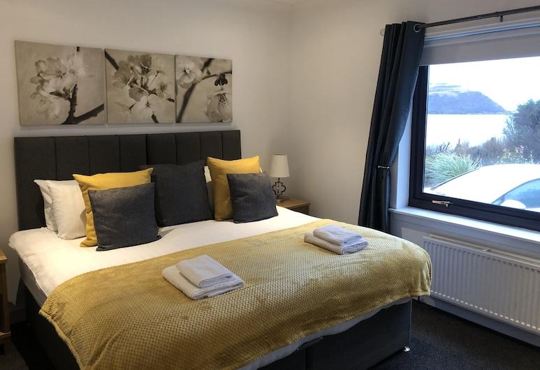 Glendaruel Bed & Breakfast, Portree, King Room with Garden View, Guest Room